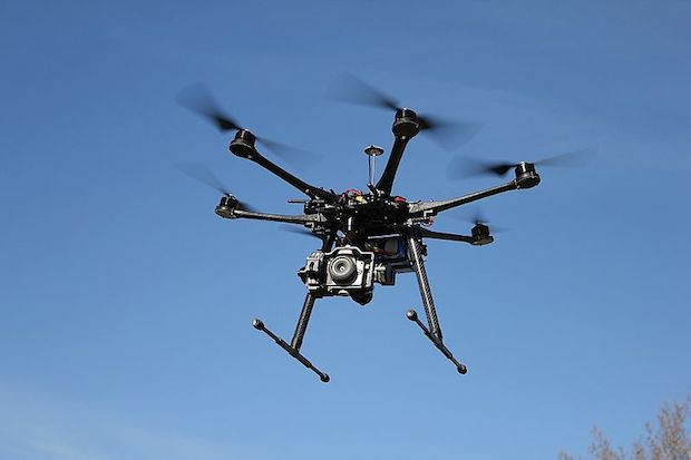 Drones με άδεια κυκλοφορίας και πινακίδες-thinktech.gr